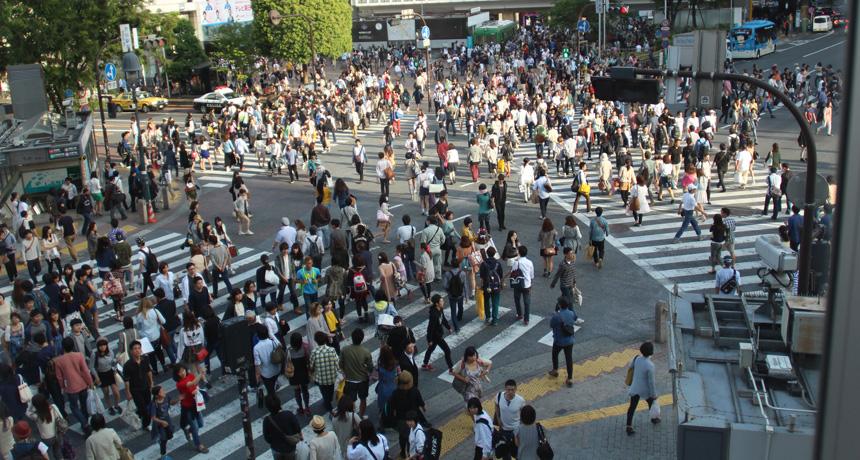 A busy crosswalk in Tokyo