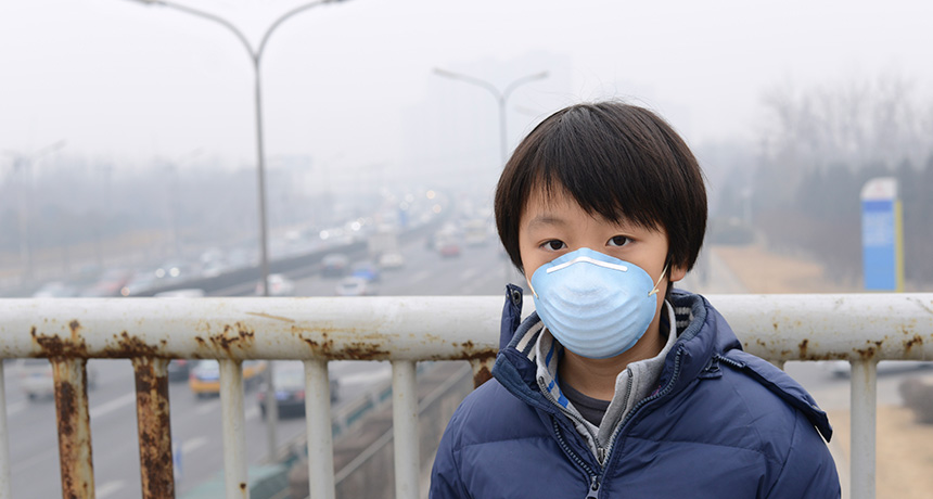 young child in polluted Beijing