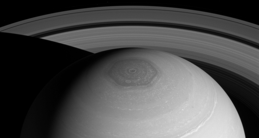 Saturn hexagons