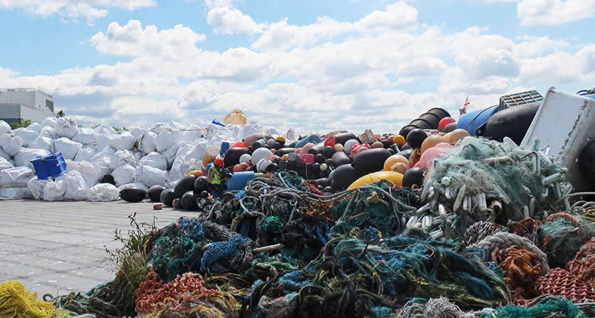 Trash Duty For Students With Special >> 4 Ways To Tackle Trash Besides Ocean Cleanup S Broken System