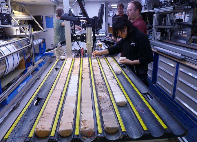 Volcanic gas bursts probably didn't kill off the dinosaurs   Science News