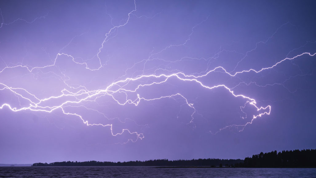Image result for pictures of lightning bolts