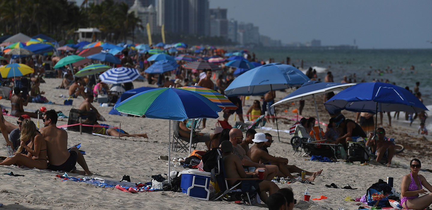 crowded beach in Fort Lauderdale