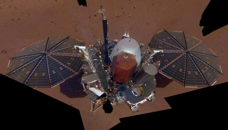 Picture of InSight lander on surface of Mars
