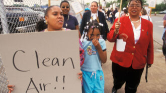 Detroit residents protesting air pollution
