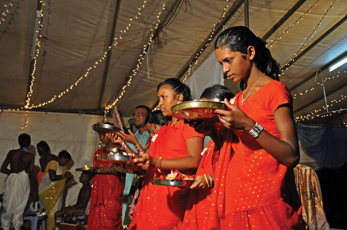 Mauritius worshippers