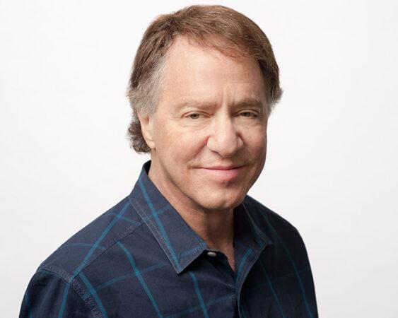 a headshot of Ray Kurzweil