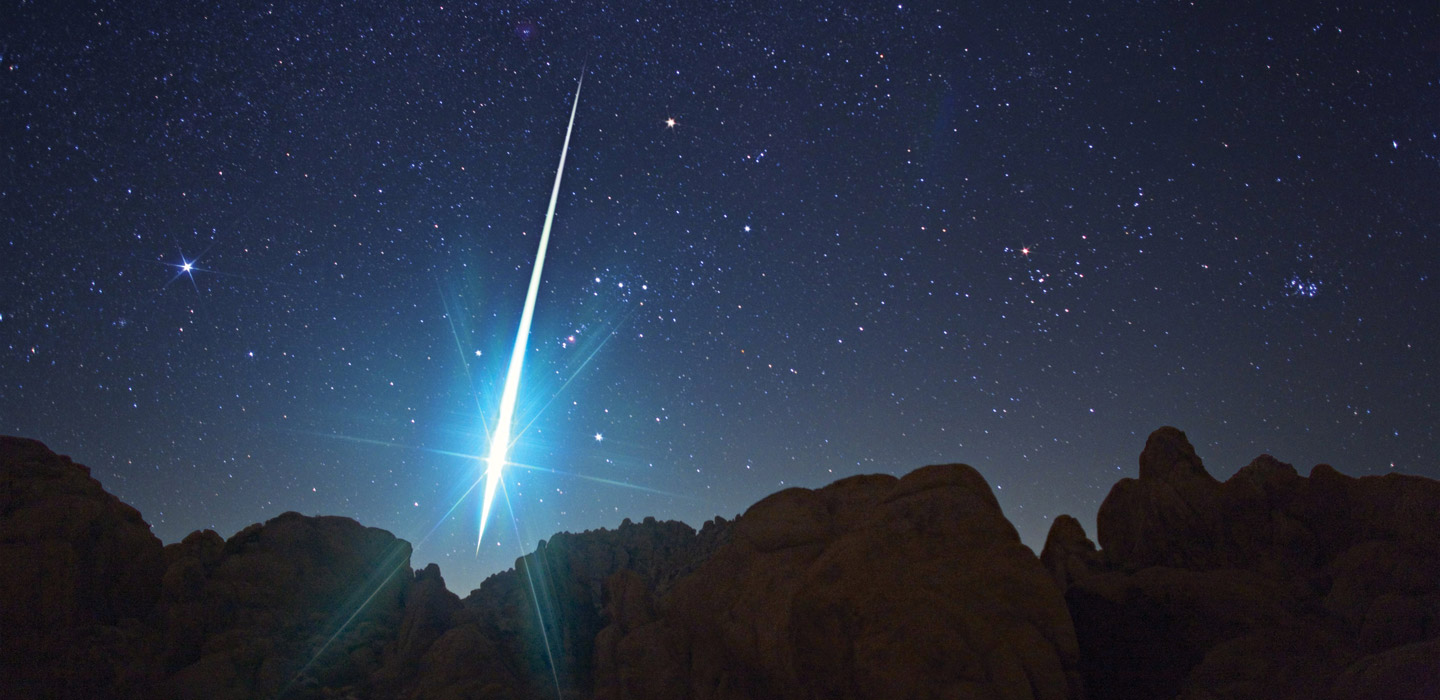 Geminid meteor seen from Mojave Desert