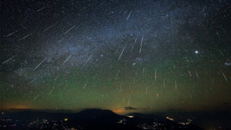 december%E2%80%99s-stunning-geminid-meteor-shower-is-born-from-a-humble-asteroid
