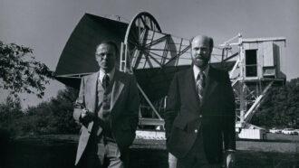 black and white photo of Arno Penzias (left) and Robert Wilson (right)