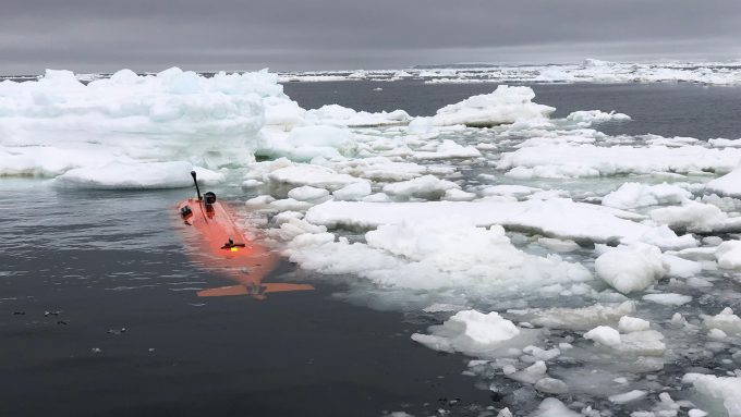 autonomous underwater vehicle Ran amid floating ice