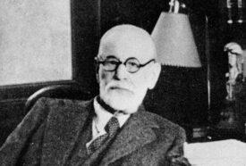 black and white photo of Sigmund Freud