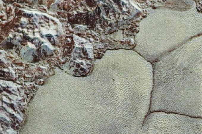 """nitrogen ice """"cells"""" in Pluto's Sputnik Planitia region"""