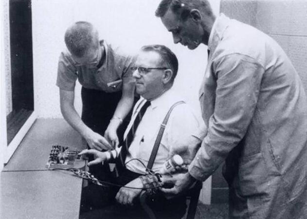 Milgram experiment pic