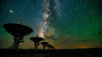 a row of radio telescopes at the Very Large Array