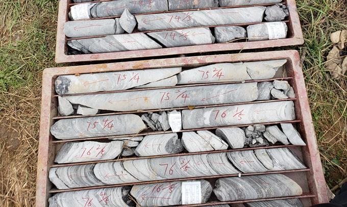 dozen met rotskernen uit een oude meerbodem in het noorden van China