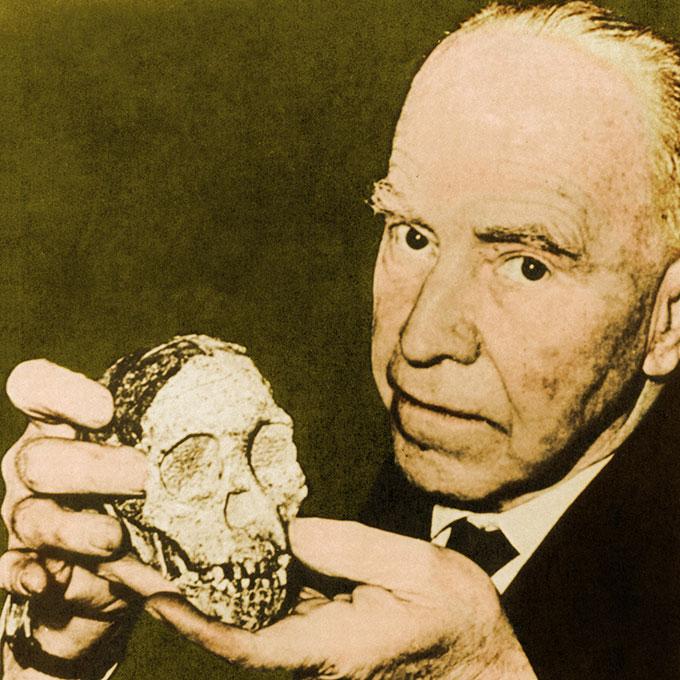 Dart and Tuang skull